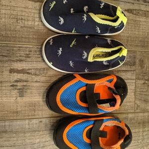 2 pairs of water shoes